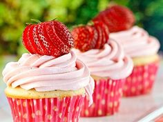 Making these for Kasey's Strawberry Shortcake party along Lemon Meringue cupcakes and blue berry muffins. Strawberry Shortcake Cupcake, Strawberry Cupcakes, Yummy Cupcakes, Strawberry Filling, Healthy Cupcakes, Strawberry Glaze, Pretty Cupcakes, Strawberry Patch, Beautiful Cupcakes