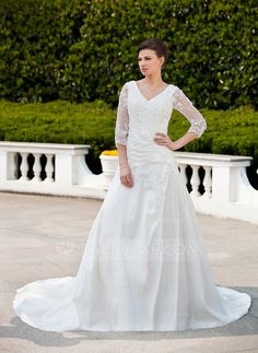 A-Line/Princess V-neck Chapel Train Taffeta Tulle Wedding Dress With Ruffle Lace Beading (002011625)