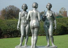 Jardin du Carrousel.  Trois nymphes. Aristide Maillol.