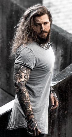 10 Stunning Haircuts Men Should Copy In 2019 is part of Long hair styles men - A new year calls for a new trendy haircuts for 2019 options that will make heads turn this year Let's get started! Trendy Haircuts, Haircuts For Men, Hairstyles Men, Natural Hairstyles, Hair And Beard Styles, Long Hair Styles, Sexy Tattooed Men, Bearded Tattooed Men, Mode Man