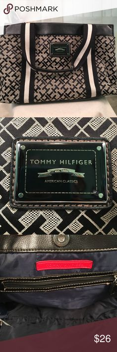 """Tommy Hilfiger Black Handbag Awesome black Tommy Hilfiger handbag.  New condition.  Size L.  13""""wide by 9"""" tall and 6"""" deep.  HB33 Tommy Hilfiger Bags"""