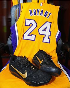 size 40 a5a62 8bd21 The Legend lacing them up one more time.  MambaDay