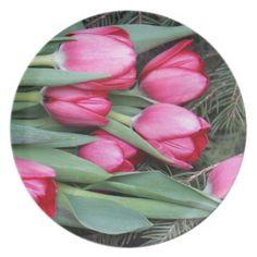 #flower - #tulips dinner plate