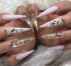 Coffin/ballerina Nails by MargaritasNailz from Nail Art Gallery Rhinestone Nails, Bling Nails, Swag Nails, Fabulous Nails, Gorgeous Nails, Fancy Nails, Trendy Nails, Gold Stiletto Nails, Ballerina Nails