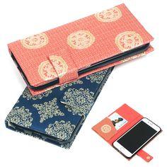 表地はすべて絹織物。織りこまれた由緒ある幾何学的な文様と きらびやかな色づかいは格調高く、一つ一つ丹精を込めて手作りで仕上げた「iPhone 6s / 6 対応 手帳型スマホケース」です。 Notebook-type case for iPhone6/6s is now on sale. Designs are most attractive as Tatsumura's ancient and traditional fabrics been used. #iphonecase #tatsumura #silk