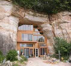Entire website of underground and cave homes.  So cool.