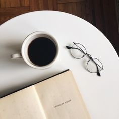Discovered by є ℓ ☆ミ. Find images and videos about coffee, books and reading on We Heart It - the app to get lost in what you love.