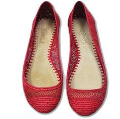 Raffia ballerinas in red by Las Bailarinas Shoes