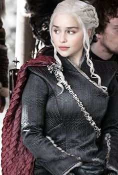 You are watching the movie Game of Thrones on Putlocker HD. Set on the fictional continents of Westeros and Essos, Game of Thrones has several plot lines and a large ensemble cast but centers on three primary story arcs. Emilia Clarke Daenerys Targaryen, Game Of Throne Daenerys, Daenerys Targaryen Aesthetic, Arte Game Of Thrones, Game Of Thrones Funny, Game Of Thrones Characters, Got Serie, Hbo Got, Jon Snow And Daenerys
