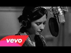 """Demi Lovato libera vídeo com gravação ao vivo de """"Stone Cold"""" #Iggy, #IggyAzalea, #Vídeo http://popzone.tv/demi-lovato-libera-video-com-gravacao-ao-vivo-de-stone-cold/"""