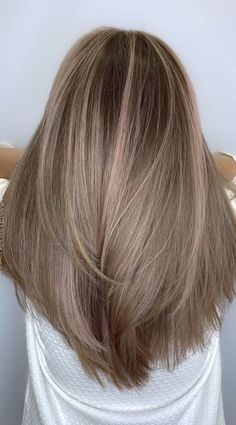 Brown Blonde Hair, Hair Color For Black Hair, Light Brown Hair Colors, Soft Brown Hair, Light Ash Brown Hair, Ash Blonde Hair Colour Ideas, Pink Ash Hair, Dying Hair Blonde, Autumn Hair Colors