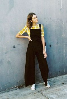 Dress Up Overalls With Prints - Cute Outfits To Wear When You Fly - Photos