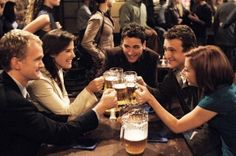"""""""How I Met Your Mother"""" co-stars (from left) Neil Patrick Harris, Cobie Smulders, Josh Radnor, Jason Segel and Alyson Hannigan offer a toast at MacLaren's in a scene from the sitcom's first season. Ted Mosby, How I Met Your Mother, Ryan Hurst, Neil Patrick Harris, Jim Parsons, Alyson Hannigan, Series Da Fox, Josh Radnor, Life Lessons"""
