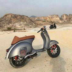 👽 —————————————————————— Stay sharp-dressed with @haze_and_finn 👔👖🎩 - Buy and sell your classic Vespa at @vespa_marketplace_eu ⚡️ - Follow… Piaggio Vespa, Vespa Et3, Vespa Motorbike, Lambretta Scooter, Scooter Scooter, Lml Vespa, Px 125 Vespa, Vespa 150 Sprint, Vintage Vespa