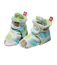 WANT!! The only sock/bootie that actually stays on...so says my mommy friend! Thank you CM