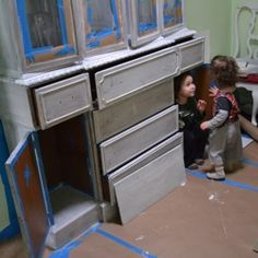 Distressed painted furniture - DIY