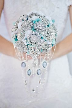 If you're looking for an unique bouquet, this custom made cascading brooch bouquet from Mlle Artsy should be on your list! Broch Bouquet, Wedding Brooch Bouquets, Cascade Bouquet, Flower Bouquet Wedding, Bridesmaid Flowers, Boquette Wedding, Wedding Ideas, Wedding Gowns, Wedding Inspiration