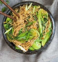 If your looking for a quick 15 minute dinner tonight look no further! These sesame ginger noodles with bok choy will be your new favourite go to dish. I'm a big advocate of food prep. Noodle Recipes, Veggie Recipes, Asian Recipes, Vegetarian Recipes, Cooking Recipes, Healthy Recipes, Asia Food, Lunches And Dinners, Gluten Free