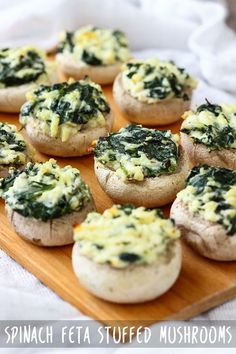This is an easy recipe for Spinach feta stuffed mushrooms. In little over 30 minutes you are ready to ser This is an easy recipe for Spinach feta stuffed mushrooms. In little over 30 minutes you are ready to serve this easy appetizer that crowds love! Cheap Meals, Easy Meals, Mushroom Appetizers, Spinach Appetizers, Comida Keto, Snacks Sains, Easy Appetizer Recipes, Easy Recipes, Party Appetizers