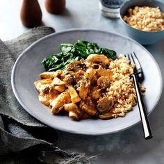 A healthier WW recipe for Chicken and mushroom stroganoff ready in just Get the SmartPoints value plus browse other delicious recipes today! Skinny Recipes, Ww Recipes, Chicken Recipes, Dinner Recipes, Healthy Recipes, Delicious Recipes, Skinny Meals, Slimming Recipes, Healthy Food