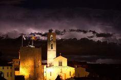 Orage au dessus de la cathédrale N.D du Puy de Grasse