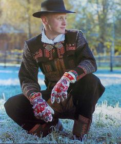 Mittens and National Costume (Bunad) from Setesdal in Aust Agder county, Norway From THE ESSENCE OF THE GOOD LIFE™ http://www.pinterest.com/Co... https://www.facebook.com/pa...