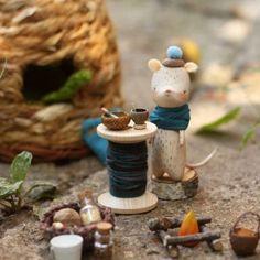 а пока делаю новеньких покажу вам летнего хозяйственного мыша.  #kotyasya_с_домиком #woodentoy #деревяннаяигрушка by asya_kotyasya