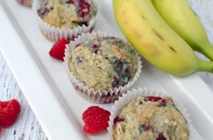 Quick, easy and delicious gluten-free dairy-free banana raspberry muffins Healthy Cake, Healthy Desserts, Easy Desserts, Healthy Muffins, Old Recipes, Sweet Recipes, Gluten Free Flour, Dairy Free, Oatmeal In A Jar