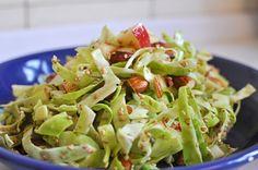 Til en stor skål salat ( personer) bruges der: 1 lille spidskål eller Real Food Recipes, Vegetarian Recipes, Healthy Recipes, Healthy Salads, Good Food, Yummy Food, Danish Food, Dinner Is Served, Recipes From Heaven
