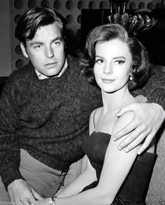 Natalie Wood and Robert Wagner cute couple candid 8x10 rare photo