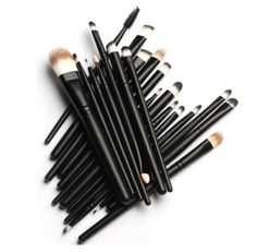 This KOLIGHT 20 Pcs Pro Makeup Set is HIGH QUALITY without the price tag! Hurry before this deal is gone!