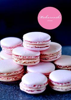 Makaroniki różane Polish Recipes, Mini Cupcakes, Vanilla Cake, Cheesecake, Food And Drink, Keto, Candy, Make It Yourself, Cookies