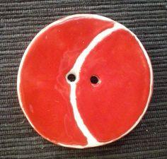 bottone decorativo diametro cm 5.Modellato e decorato a mano.