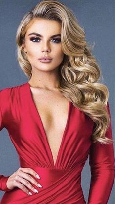 voluminous blonde hair | prom hairstyle | elegant waves | #promhair