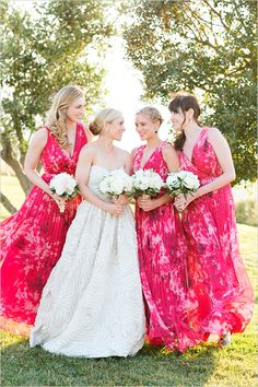 An Italian Wine Country Wedding is the only way to go when your passion in life is wine! Pastel Bridesmaid Dresses, Bridesmaid Flowers, Brides And Bridesmaids, Bride Look, Bridal Beauty, Wedding Styles, Wedding Ideas, Italy Wedding, Wine Country