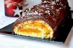 Υπέροχος Χριστουγεννιάτικος κορμός πορτοκαλιού με γλάσο σοκολάτας. Μια συνταγή για ένα πεντανόστιμο κορμό που σίγουρα θα απολαύσετε με την οικογένειά σας κ