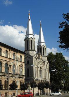Biserica Ordinului Călugărițelor de Notre Dame (1894), Timișoara; stil neoromanic Notre Dame, Cathedral, Architecture, Building, Ideas, Arquitetura, Buildings, Cathedrals, Architecture Design