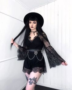 Three Gothic Fashion Tips That You Should Use Gothic Outfits, Grunge Outfits, Fashion Outfits, Fashion Ideas, Style Fashion, Fashion Clothes, Mode Alternative, Alternative Fashion, Dark Fashion