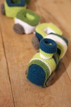 Crochet Train - Free Amigurumi Pattern here: https://limegreenlady.wordpress.com/2014/01/29/crochet-train/