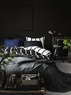 black bedroom design bedroom decor bedroom decoration small bedroom idea lamp with plant wall accent nighslee mattress Men's Bedroom Design, Small Bedroom Designs, Home Decor Bedroom, Bedroom Ideas, Bedroom Art, Guitar Bedroom, Bedroom Stuff, Ikea Bedroom, Comfy Bedroom