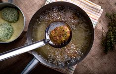 Κολοκυθοκεφτέδες με νιφάδες πατάτας Iron Pan, Cast Iron, Cooking, Kitchen, Kochen, Brewing, Cuisine