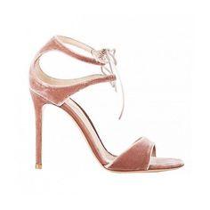 Stay strong and never give up!!  #sumatealrosa #shoelover #shoetrends #shoes #heels #leather #terciopelo #velvet #buenasnoches #goodnight #wedding #weddingday #boda #bride #bridetobe #novia #guest #mariee #weddingshoes #style #inlove #amazing #fabulous #beautiful #weddinginspiration #inspiration #love #like #picoftheday #siempremia