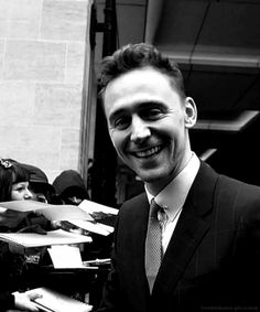 Look!!!! he's waving at us!!!!! he loves us back!!!!! GIF *FLAILS ARMS WILDLY*