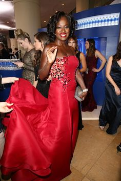 Extras renee bargh sat down with viola davis to talk about her viola davis viola davis at the 72nd annual golden globe awards january 2015 ccuart Image collections