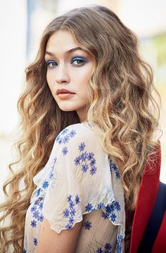 43b028a41f7a Gigi Hadid for Allure Magazine- Expert Wear eyeshadow in Blue Blazes and  Constant Toast