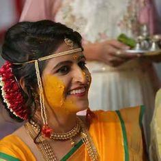 Marathi Bride, Saree Wedding, Wedding Bells, Blouse Designs, Party Wear, Colours, Hair Styles, Brides, How To Wear