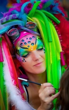 This is going te be my headpiece for season opening Carnival at this year! This is going te be my headpiece for season opening Carnival at this year! Face Painting Designs, Body Painting, Maquillage Halloween, Halloween Makeup, Face Paint Set, Fantasy Makeup, Crazy Hair, Creative Makeup, Costume Makeup