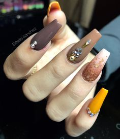 Important Things You Should Know About Acrylic Nails – Page 7406902848 – NaiLovely Hot Nails, Glam Nails, Beauty Nails, Hair And Nails, Cateye Nails, Gorgeous Nails, Perfect Nails, Pretty Nails, Fall Acrylic Nails