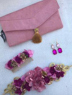 Beautiful set to make any outfit, special Bohemian Accessories, Hair Accessories, Diy Fashion, Fashion Trends, Jewellery Display, Silk Flowers, Hair Pieces, Bridal Hair, Hand Embroidery
