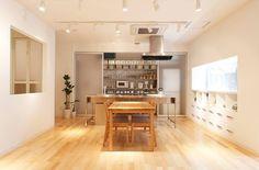 用無印良品生活用品和雜貨佈置的家,會是怎麼樣的空間? 來看看「無印良品の家 完成現場見学会」,這是位於東京都国分寺市南町的案例~ via muji.net